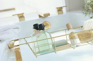 バスルームとオイルの写真素材 [FYI03235503]