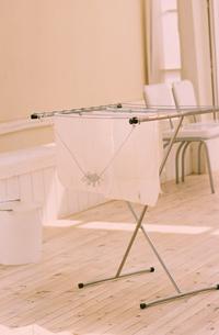 洗濯物干しの写真素材 [FYI03235677]