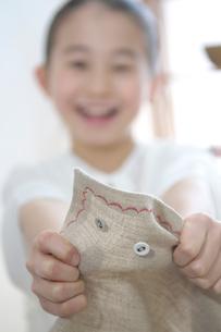 ランチョンマットと女の子の写真素材 [FYI03238515]