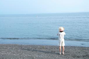 海と女の子の写真素材 [FYI03238616]