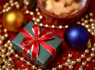 クリスマスプレゼントの写真素材 [FYI03239604]