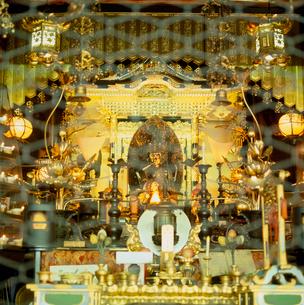 頂法寺の本堂内部の写真素材 [FYI03241767]