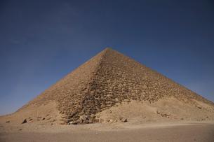 赤のピラミッドの写真素材 [FYI03243254]