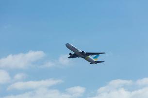 飛行機の写真素材 [FYI03243467]