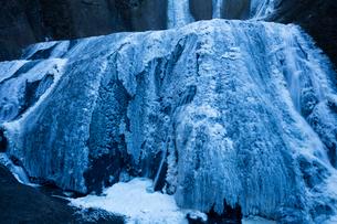 氷結した袋田の滝の写真素材 [FYI03243501]