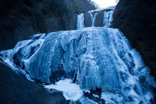 氷結した袋田の滝の写真素材 [FYI03243505]
