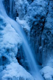 氷結した袋田の滝の写真素材 [FYI03243525]