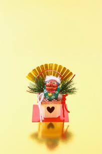 正月の獅子舞の写真素材 [FYI03245017]