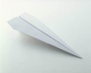 紙飛行機の写真素材 [FYI03248931]