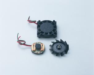 小型モーターとその構造の写真素材 [FYI03249096]