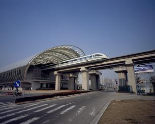 上海リニアモーターカー 龍陽路駅の写真素材 [FYI03252797]