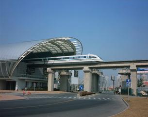 上海リニアモーターカー 龍陽路駅の写真素材 [FYI03252883]