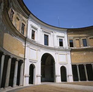 ヴィラ・ジュリア博物館 8月 ローマ イタリアの写真素材 [FYI03253385]