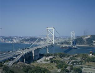 春の関門大橋の写真素材 [FYI03254910]
