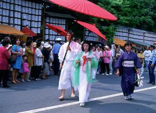 三枝祭 七媛女行列 率川神社の写真素材 [FYI03255403]