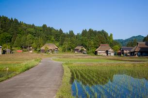 荻の島かやぶき集落の写真素材 [FYI03255995]