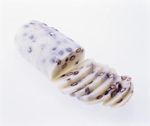 豆餅(かき餅)の写真素材 [FYI03257174]