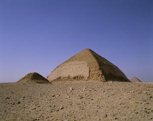スネフル王の屈折赤ピラミッドの写真素材 [FYI03258098]