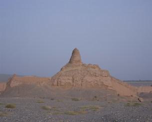 スバシ故城の西寺仏塔の写真素材 [FYI03258900]