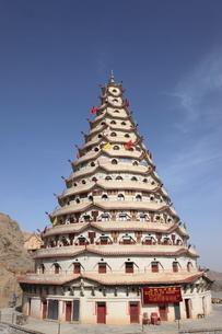 文珠山万仏塔の写真素材 [FYI03259260]