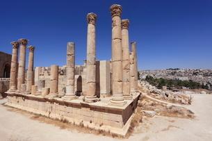 ジェラシュ遺跡ゼウス神殿の写真素材 [FYI03259547]