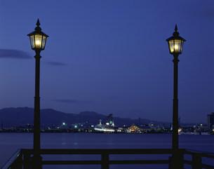 港のネオンの写真素材 [FYI03260952]