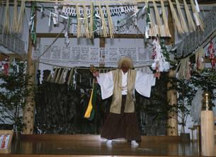 高千穂神社の夜 神楽の写真素材 [FYI03261051]
