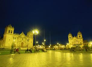 アルマス広場夜景の写真素材 [FYI03264542]