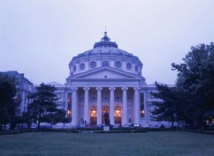 アテネ音楽堂夜景の写真素材 [FYI03264637]