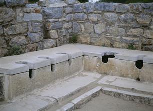 公衆トイレ エフェソスの写真素材 [FYI03265537]