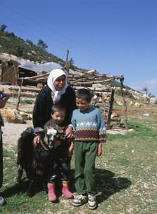 遊牧民の親子の写真素材 [FYI03265550]