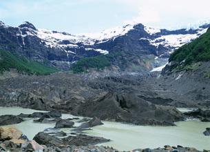 黒い氷河 トロナドール山の写真素材 [FYI03265579]