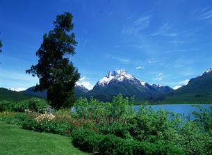 ボネツテ山とマスカルディ湖の写真素材 [FYI03265581]