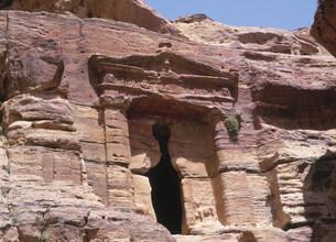ライオンの墳墓 ペトラ遺跡の写真素材 [FYI03265681]