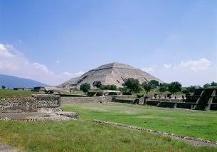 太陽ピラミッドの写真素材 [FYI03265792]