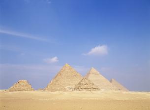 ギザのピラミッドの写真素材 [FYI03266041]