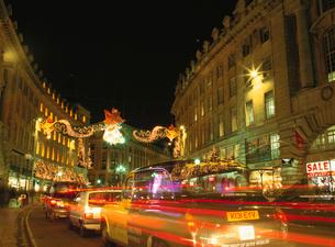 リージエント通りの夜景の写真素材 [FYI03266179]