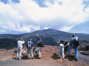 エトナ山の中腹の丘の写真素材 [FYI03266197]
