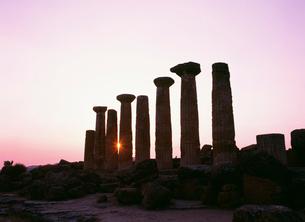 エルコレ神殿夕景 ヘラクレスの写真素材 [FYI03266221]