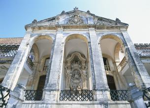 ラテン回廊 旧大学 コインブラ ポルトガルの写真素材 [FYI03267040]