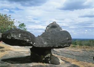 プー・パン山の寺院の奇岩 タイの写真素材 [FYI03267084]