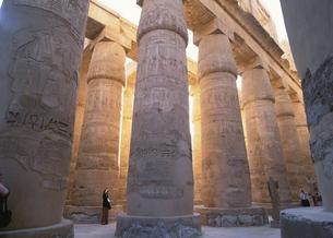 大列柱室 カルナック神殿 3月 ルクソール エジプトの写真素材 [FYI03267092]