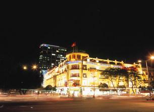 国営百貨店夜景の写真素材 [FYI03267338]