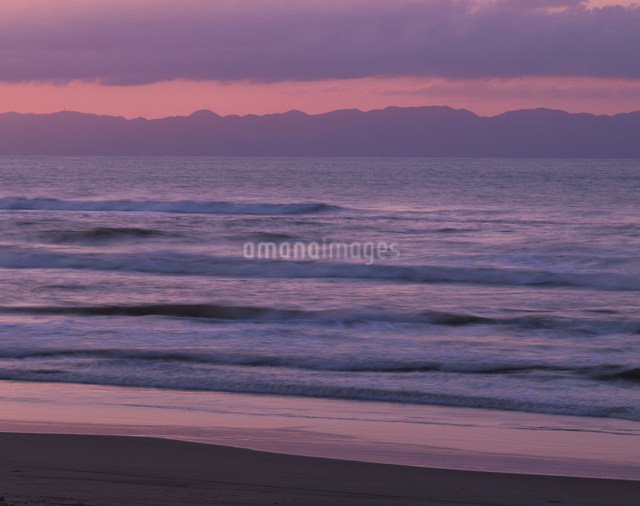 越後の海と佐渡ケ島の写真素材 [FYI03268443]