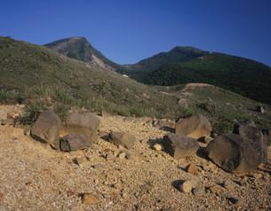 えびの高原より望む韓国岳の写真素材 [FYI03269317]