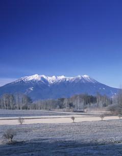 木曽御岳山と開田高原の写真素材 [FYI03269959]