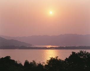 宮津湾と天橋立の夕景の写真素材 [FYI03270400]