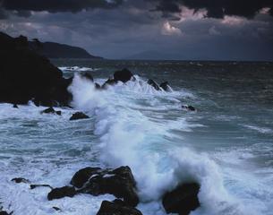 冬の日本海 越前海岸  12月  福井県の写真素材 [FYI03270775]