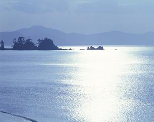 光る海 水晶ケ浜 美浜の写真素材 [FYI03270830]