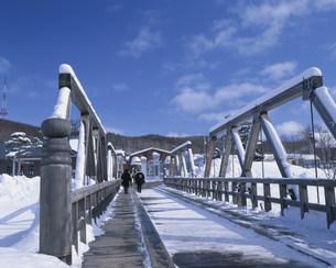 網走監獄博物館と鏡橋の写真素材 [FYI03270981]